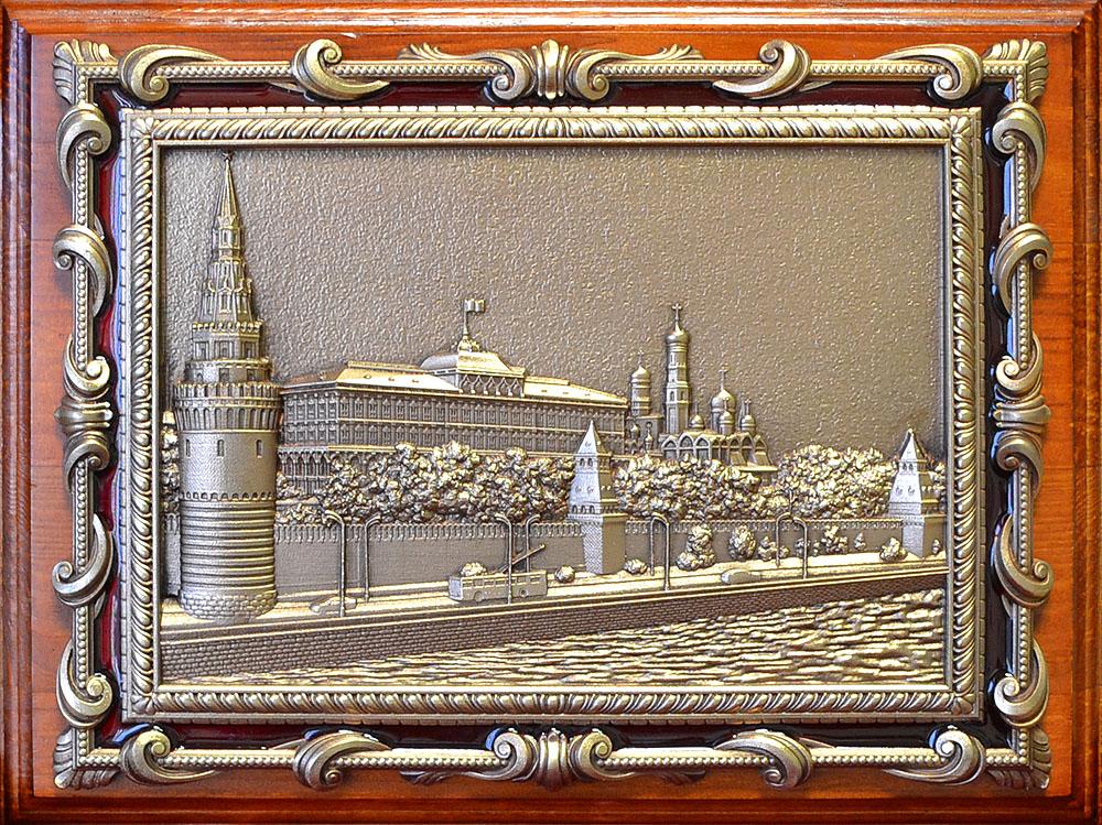 """Плакетка с видом Москвы """"Кремлёвская набережная"""" в подарочной упаковке"""
