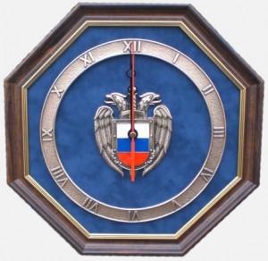 Настенные часы с эмблемой ФСО
