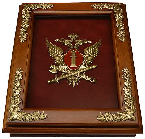 Деревянная ключница с эмблемой ФСИН России