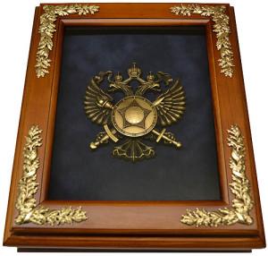 Деревянная ключница с эмблемой СВР