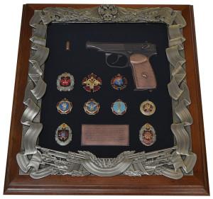 Панно с пистолетом Макаров и знаками ГРУ
